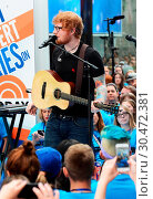 Ed Sheeran performs at NBC's 'Today' Show Summer Concert (2017 год). Редакционное фото, фотограф Patricia Schlein / WENN.com / age Fotostock / Фотобанк Лори
