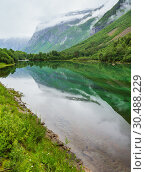 Купить «Mountain lake with clean water, Norway», фото № 30488229, снято 16 июля 2013 г. (c) Юрий Брыкайло / Фотобанк Лори