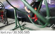 Купить «Тренажер для юных космонавтов - аттракцион гироскоп», видеоролик № 30500585, снято 18 июля 2019 г. (c) Евгений Ткачёв / Фотобанк Лори