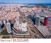 Купить «Aerial view square of the Europe at Gran Via district. Barcelona, Catalonia», фото № 30523685, снято 20 марта 2019 г. (c) Яков Филимонов / Фотобанк Лори