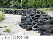 Used tires. Стоковое фото, фотограф Tryapitsyn Sergiy / Фотобанк Лори