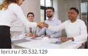 Купить «recruiters having interview with employee», видеоролик № 30532129, снято 29 марта 2019 г. (c) Syda Productions / Фотобанк Лори