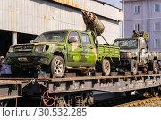 Купить «Improvised gun trucks of terrorists on a railway flatcar», фото № 30532285, снято 10 апреля 2019 г. (c) Евгений Харитонов / Фотобанк Лори