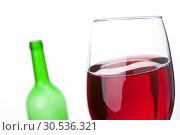 Wineglass and bottle. Стоковое фото, фотограф Tryapitsyn Sergiy / Фотобанк Лори