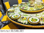 Купить «Plate with a pattern Khokhloma», фото № 30548381, снято 29 мая 2014 г. (c) Tryapitsyn Sergiy / Фотобанк Лори