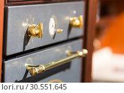 Купить «Oven in the kitchen», фото № 30551645, снято 11 марта 2015 г. (c) Tryapitsyn Sergiy / Фотобанк Лори