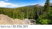 Купить «Sunny day in Rocky Mountain National Park», фото № 30556301, снято 18 июня 2016 г. (c) Tryapitsyn Sergiy / Фотобанк Лори