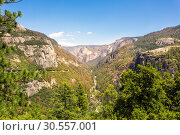 Купить «Yosemite National Park landscape», фото № 30557001, снято 2 июля 2016 г. (c) Tryapitsyn Sergiy / Фотобанк Лори