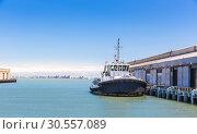 Купить «Tow ship in harbor of seaport.», фото № 30557089, снято 4 июля 2016 г. (c) Tryapitsyn Sergiy / Фотобанк Лори