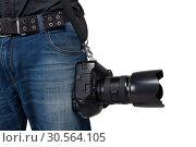 Male photographer legs with belt holding a camera. Стоковое фото, фотограф Tryapitsyn Sergiy / Фотобанк Лори