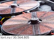 Купить «Copper electric coil macro detail», фото № 30564805, снято 24 января 2017 г. (c) Tryapitsyn Sergiy / Фотобанк Лори