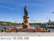 Купить «Monument to the Russian commander Generalissimo Alexander Suvorov in St. Petersburg. Russia», фото № 30565345, снято 24 мая 2018 г. (c) Наталья Волкова / Фотобанк Лори