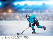 One hockey player on ice in action, arena (2017 год). Стоковое фото, фотограф Tryapitsyn Sergiy / Фотобанк Лори