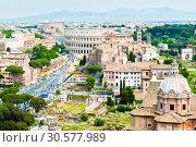 Купить «Вид на Колизей. Красивый городской пейзаж с высоты птичьего полета. Весенний день. Рим. Италия», фото № 30577989, снято 28 апреля 2018 г. (c) E. O. / Фотобанк Лори