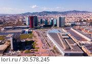 Aerial view of Gran Via, Fira de Barcelona, Placa d Europa (2019 год). Редакционное фото, фотограф Яков Филимонов / Фотобанк Лори