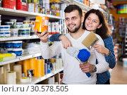 Купить «Couple choosing house decoration materials», фото № 30578505, снято 9 марта 2017 г. (c) Яков Филимонов / Фотобанк Лори