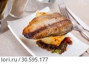 Купить «Mackerel fillet with mashed potatoes and spices», фото № 30595177, снято 7 июля 2020 г. (c) Яков Филимонов / Фотобанк Лори