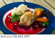 Купить «Grilled quail with sauce and vegetables», фото № 30601097, снято 26 января 2020 г. (c) Яков Филимонов / Фотобанк Лори
