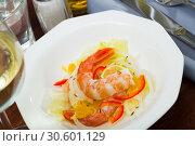 Купить «Seafood ceviche with shrimps», фото № 30601129, снято 14 октября 2019 г. (c) Яков Филимонов / Фотобанк Лори