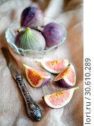 Купить «Ripe figs», фото № 30610289, снято 24 августа 2013 г. (c) easy Fotostock / Фотобанк Лори