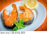 Купить «Grilled salmon steaks», фото № 30610301, снято 7 сентября 2013 г. (c) easy Fotostock / Фотобанк Лори