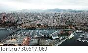 Купить «View from drones of sailboats and yachts in old port of Barcelona and gothic quarter at night», видеоролик № 30617069, снято 1 сентября 2018 г. (c) Яков Филимонов / Фотобанк Лори
