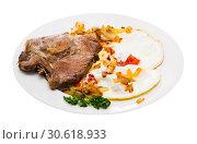 Купить «Picture of delicious fried pork with fried eggs at plate, nobody», фото № 30618933, снято 16 февраля 2020 г. (c) Яков Филимонов / Фотобанк Лори
