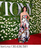 Купить «71st Annual Tony Awards - Arrivals Featuring: Cobie Smulders Where: New York, New York, United States When: 11 Jun 2017 Credit: WENN.com», фото № 30636581, снято 11 июня 2017 г. (c) age Fotostock / Фотобанк Лори