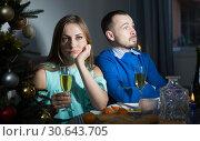 Couple having boring dinner. Стоковое фото, фотограф Яков Филимонов / Фотобанк Лори