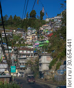 Купить «Houses up a hillside, Darjeeling, West Bengal, India», фото № 30654441, снято 16 июля 2019 г. (c) Ingram Publishing / Фотобанк Лори