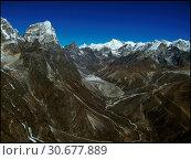 Купить «NEPAL Chola Valley -- 16 Apr 2005 -- A panorama of peaks dominate the somewhat Martian landscape of the Chola Valley, off the main Khumbu Glacier. The...», фото № 30677889, снято 4 июля 2020 г. (c) age Fotostock / Фотобанк Лори