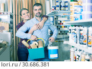 spouses with paint and instruments for repair. Стоковое фото, фотограф Яков Филимонов / Фотобанк Лори
