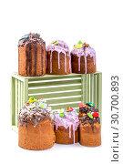 Купить «Пасхальные куличи домашней выпечки на белом фоне», фото № 30700893, снято 27 апреля 2019 г. (c) V.Ivantsov / Фотобанк Лори