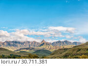 Купить «Drakensberg at Garden Castle. Rhino Peak is visible in middle», фото № 30711381, снято 25 марта 2018 г. (c) easy Fotostock / Фотобанк Лори
