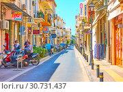Купить «Shopping street in Rethymno», фото № 30731437, снято 26 апреля 2018 г. (c) Роман Сигаев / Фотобанк Лори