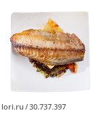 Купить «Top view of roasted scomber fillet with potatoes», фото № 30737397, снято 25 января 2020 г. (c) Яков Филимонов / Фотобанк Лори