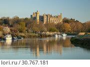 Купить «Sunrise on river Arun in Arundel, West Sussex, England. Arundel Castle in the background.», фото № 30767181, снято 11 апреля 2019 г. (c) age Fotostock / Фотобанк Лори