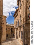 Купить «Толедо, Испания. Здания в историческом центре (список всемирного наследия ЮНЕСКО)», фото № 30770361, снято 25 июня 2017 г. (c) Rokhin Valery / Фотобанк Лори