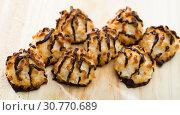 Delicious coconut cookies with chocolate. Стоковое фото, фотограф Яков Филимонов / Фотобанк Лори