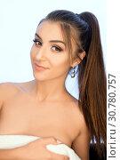 Купить «Gorgeous brunette bare shoulders portrait», фото № 30780757, снято 26 апреля 2019 г. (c) Гурьянов Андрей / Фотобанк Лори