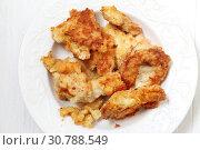 Купить «куриные наггетсы на белом деревянном фоне», фото № 30788549, снято 8 апреля 2020 г. (c) Марина Володько / Фотобанк Лори