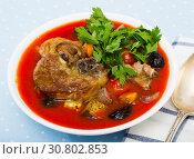 Купить «Tomato soup with mutton», фото № 30802853, снято 16 августа 2018 г. (c) Яков Филимонов / Фотобанк Лори