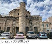 Купить «Старинная закрытая мечеть Захури в центре Ларнаки», фото № 30808597, снято 11 мая 2019 г. (c) Irina Opachevsky / Фотобанк Лори