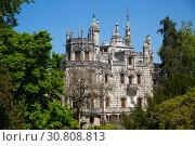 Купить «Portuguese landmark Regaleira Palace», фото № 30808813, снято 21 апреля 2019 г. (c) Яков Филимонов / Фотобанк Лори