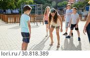 Купить «Happy children skipping on jumping elastic rope», видеоролик № 30818389, снято 23 июля 2018 г. (c) Яков Филимонов / Фотобанк Лори