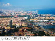 Купить «Historical neighbourhoods of Barcelona, view above», фото № 30819677, снято 8 июля 2016 г. (c) Яков Филимонов / Фотобанк Лори