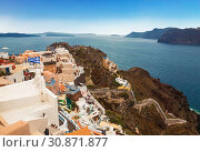 View of the city of Oia on the island of Santorini in Greece (2017 год). Стоковое фото, фотограф Наталья Волкова / Фотобанк Лори