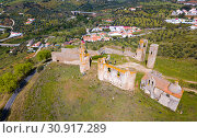 Купить «Montemor-o-Novo with ruined castle», фото № 30917289, снято 20 апреля 2019 г. (c) Яков Филимонов / Фотобанк Лори