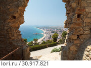 View of Blanes through the stone arch at the castle of St. John. Costa Brava. Catalonia. Spain (2013 год). Стоковое фото, фотограф Анна Иноземцева / Фотобанк Лори