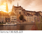 View of Auxerre with Abbey on river Yonne, France (2018 год). Стоковое фото, фотограф Яков Филимонов / Фотобанк Лори